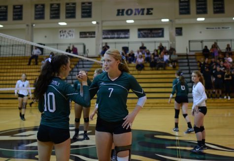 Slideshow: Volleyball clinches comeback victory on fan night