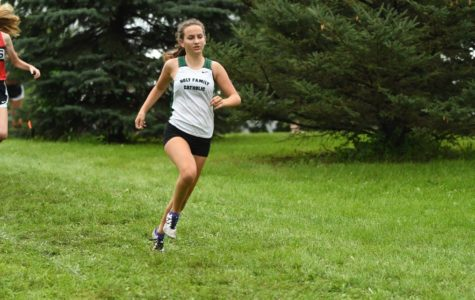 Athlete Spotlight: Ricke, Marschall help lead cross country teams to strong start
