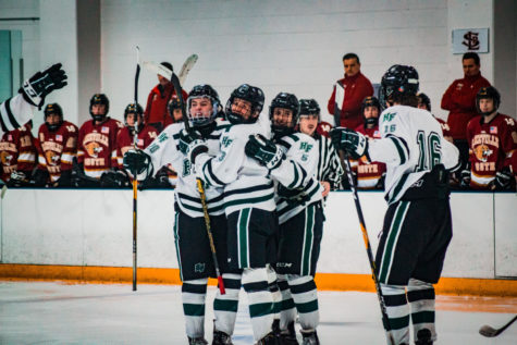 Slideshow: Boys Varsity Hockey vs Duluth