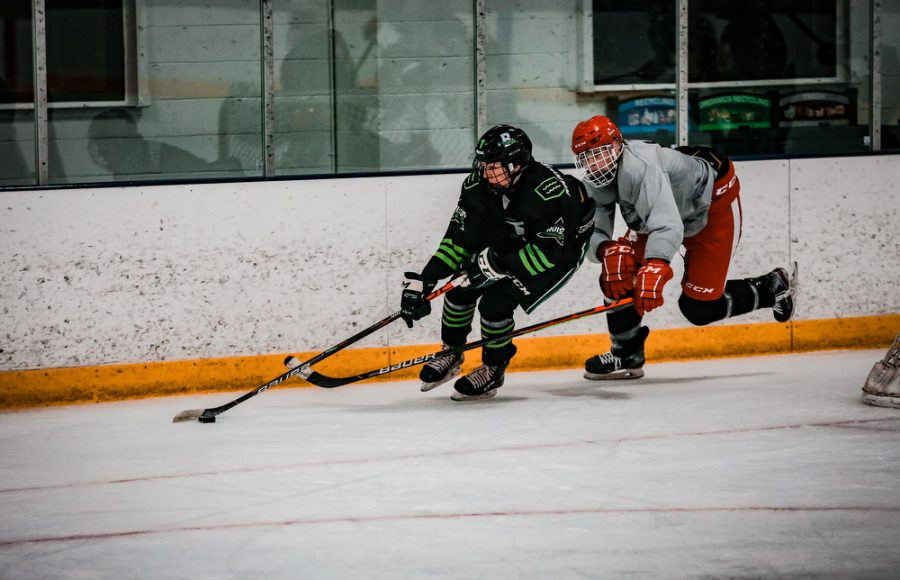 Back Channel Bruisers' Noel Rahn '21 (8) during a hockey game where The Bruisers' fell to the Fortis Wolfpack 3-1 on Wednesday, November 11, 2020 at St. Louis Park Recreation Center. Collin Nawrocki / The Phoenix