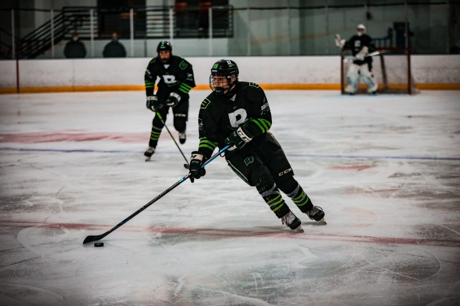 Back Channel Bruisers' Nick Blood '22 (19) during a hockey game where The Bruisers' fell to the Fortis Wolfpack 3-1 on Wednesday, November 11, 2020 at St. Louis Park Recreation Center. Collin Nawrocki / The Phoenix