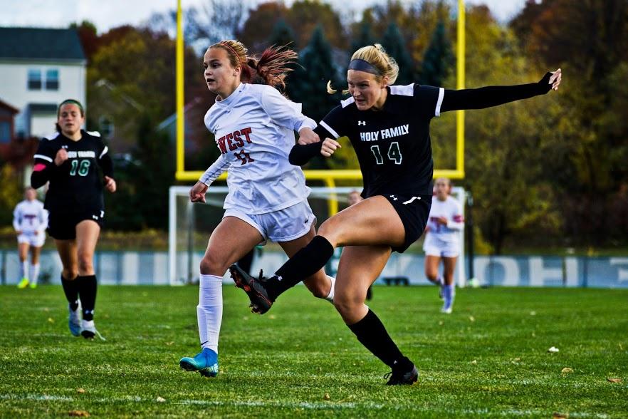 Holy Family Varsity Girls Soccer-Maeve Kelly '22-Arden Schlegel The Phoenix